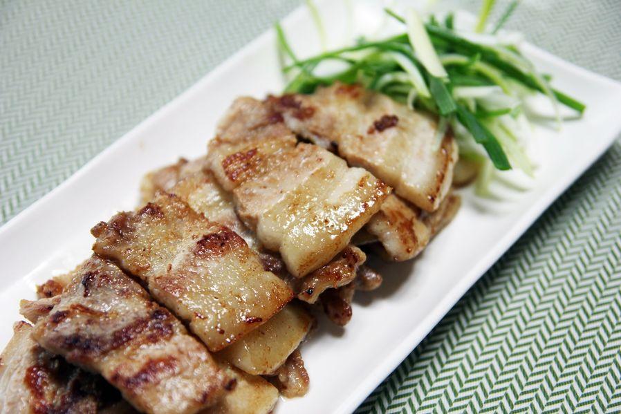 Samgyupsal 삼겹살 (Pork belly) - (Korean Food)